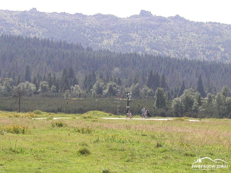 Rozdroże szlaków przy  Chatce Górzystów