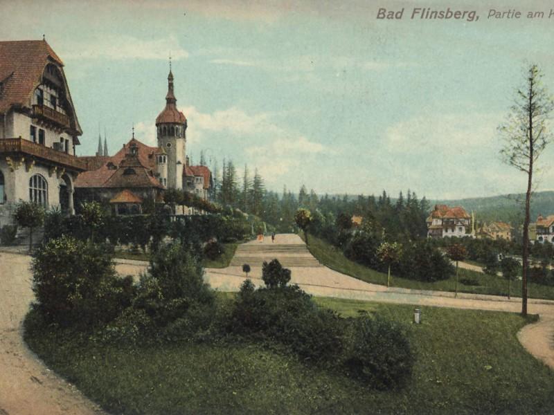 Przed Domem Zdrojowym ok 1900