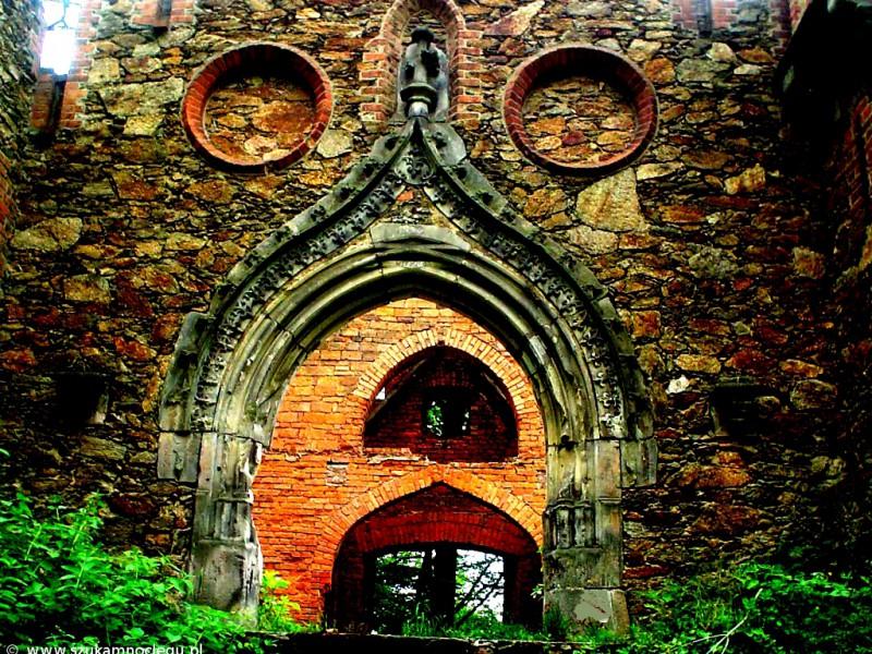 Zamek Rajsko przed remontem