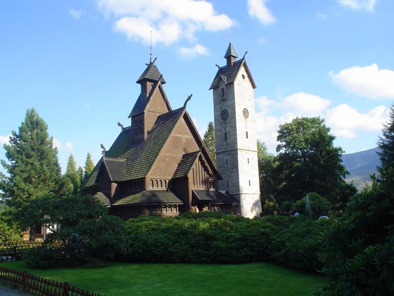 Kościół Wang w lecie